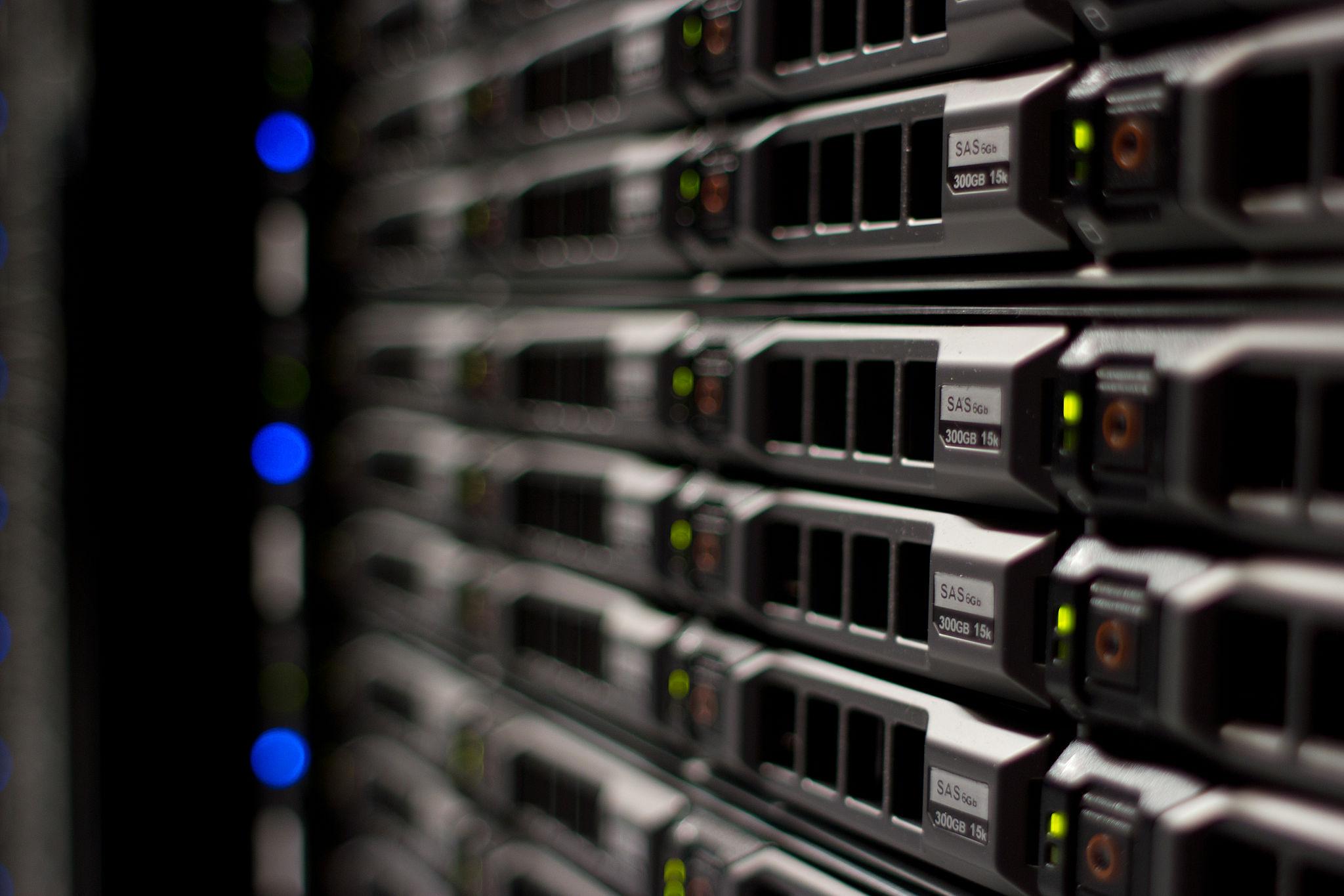 2048px-Wikimedia_Foundation_Servers-8055_20